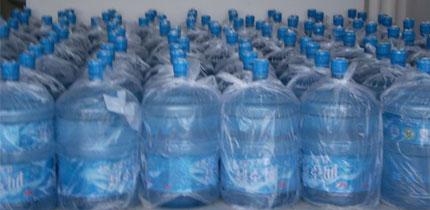 """""""景田百岁山""""等多个品牌桶装水的储存仓库"""