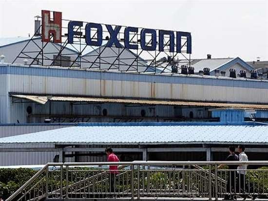 继太原富士康群殴冲突后郑州富士康爆发三四千工人罢工停产事件