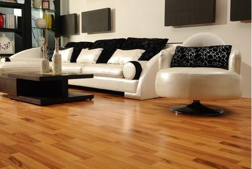 销售较好的地板品种是印茄木(俗称菠萝格)地板