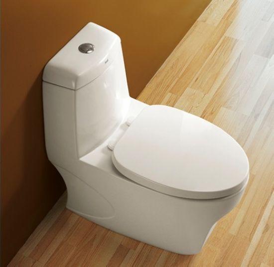 恒洁卫浴H0128节水坐便器 秘籍3 节水:在水费逐渐上涨的今天,节水性能显得日益重要。是否为节水型坐便器不在于水箱大小,而在于坐便器结构中的冲排水系统和水箱配件的设计是否合理,质量是否过关,是正品还是仿冒伪劣产品。一般坐便器都应表明冲水量,购买时可索取国家有关部门的检测报告,是否节水问题是个系统工程,它涉及下水管道的流体阻力、自来水的水压和其他配件质量等。如果建筑下水道仍是铸铁的,自来水压很低,选用6升水量的坐便器就不恰当,会导致一次冲不清,二次冲反而不节水。 秘籍4 浴缸材质:铸铁浴缸强度大、寿命长