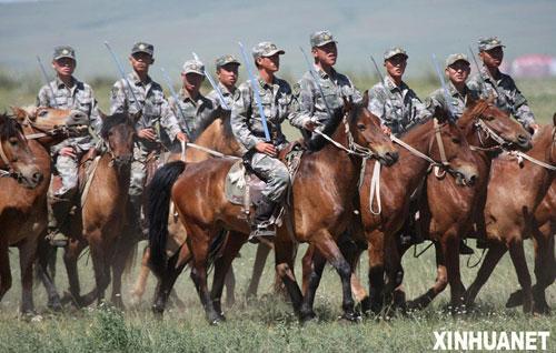 中国骑兵最后的两个营 具有全天候作战能力(组图)