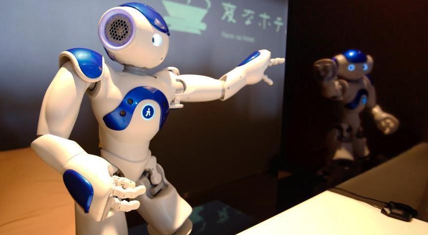 日本机器人酒店 机器人替代人类雇员