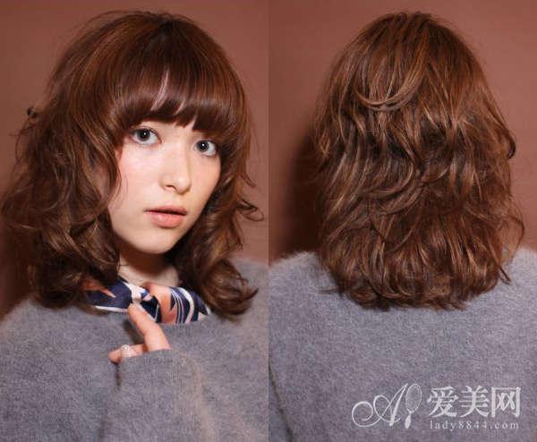 内扣梨花头烫发设计 甜美清新最减龄