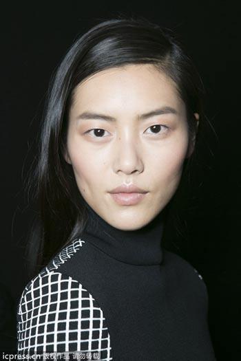 【爱美】热荐10款新品粉底液 高贴合度上妆不卡粉
