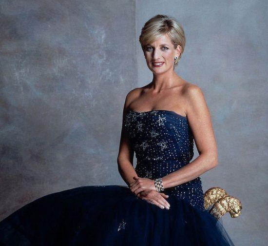 英国戴安娜王妃:戴安娜-弗兰西斯-斯宾塞1961年7月1日出生于英国