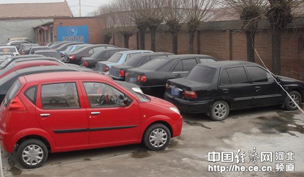 承德隆化县集中打击 黑车 向客运市场 亮剑高清图片