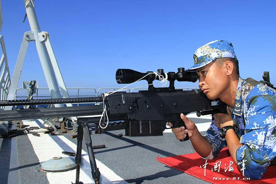 中国 狙击步枪/当地时间3月24日下午,中国海军第十四批护航编队组织陆战队员...