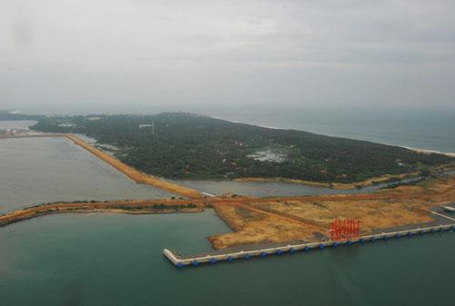 汉班托塔港