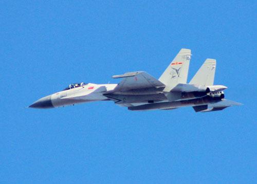 歼-15是中航工业沈阳飞机制造