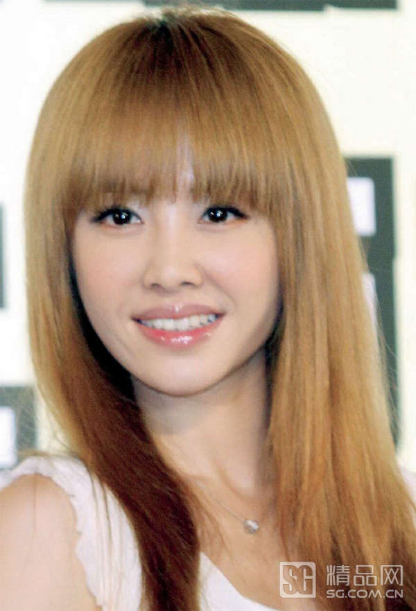 有刘海的女生 你能猜出她几岁吗?图片