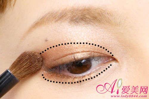 三层渐变眼影眼妆 平日化妆超级实用