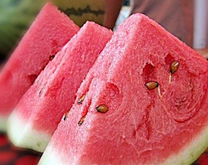 亚洲性图西瓜_慈济健康:西瓜升糖高过玉米 夏日消暑水果健康吃法