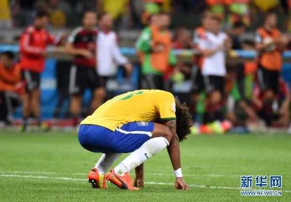 在巴西贝洛奥里藏特的米内罗大球场进行的2014年巴西世界杯半决图片