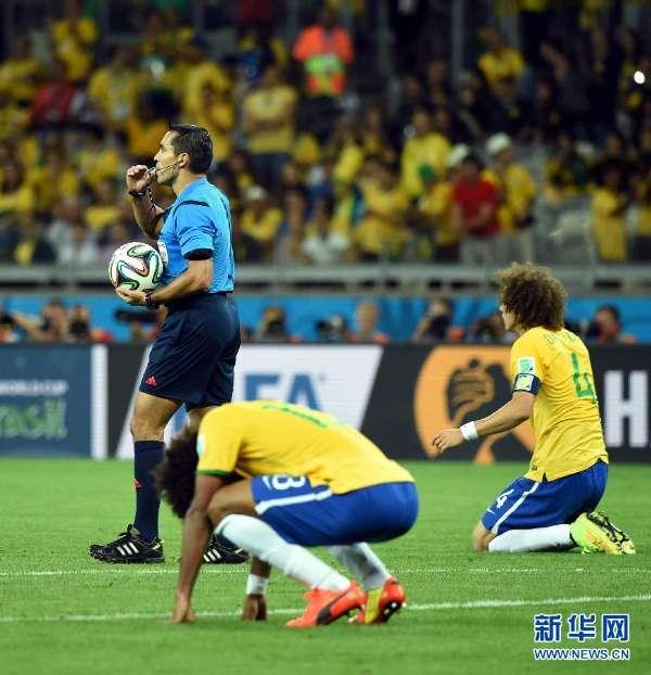 巴西队以1比7负于德国队,无缘决赛.-世界悲 巴西1 7惨败德国 众将图片