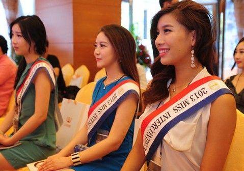 """韩国小姐遭暗讽""""同一张脸"""" 集体赴中国整容(图)"""