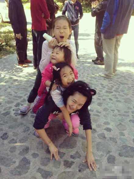 小S公开自嘲:我就是生孩子机器!(图)