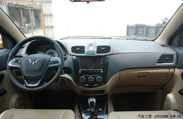 五菱宏光S量产版曝光 新老车型同时销售高清图片