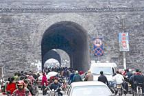 荆州旧城区人口交通压力巨大