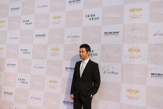玛莎拉蒂一同见证了此次参加金鸡百花电影节微电影大赛的明星高清图片