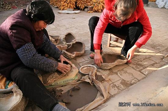 凤翔六营村的泥塑制作现场