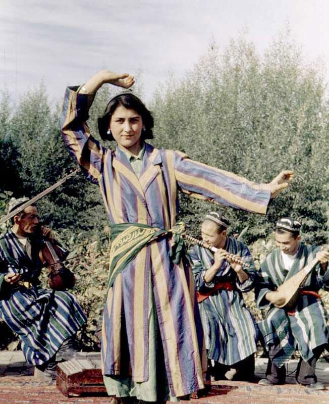 美国摄影师拍1943年新疆美女 凤凰网