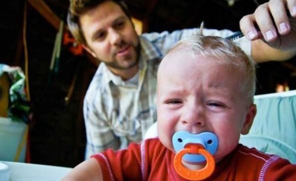 婴儿理发步骤图解
