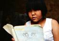 11岁小学女生撑起一个家 长大想当医生