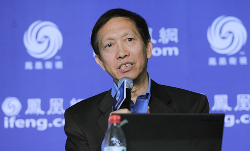 香港大学经济系教授许成钢