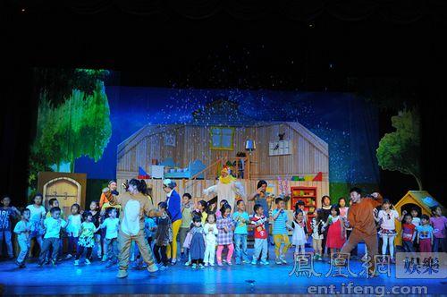 """在众多的儿童剧作品中,由东方桥文化旗下的儿童教育戏剧品牌""""故事屋"""""""