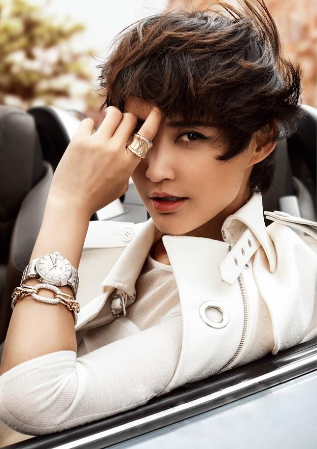 张歆艺超跑写真 变身上东区女孩极致魅惑 时尚