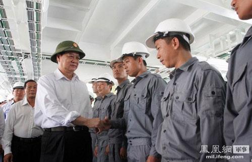 越南官员:3架美侦察机飞临981平台 仅距200米