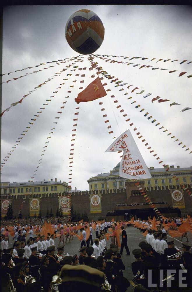 美国拍苏联1961年红场检阅式 - 人在上海    - 中国新闻画报