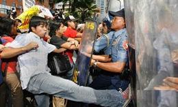菲律宾连爆反华行动 幕后黑手曝光
