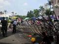 汕头闹事者逼警察游街13小时 拖上戏台批斗