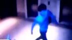 监拍:男子坠亡前举动诡异如蓝可儿