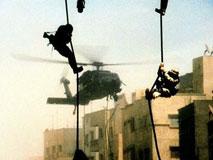 黑鹰坠落:120名美军困兽犹斗