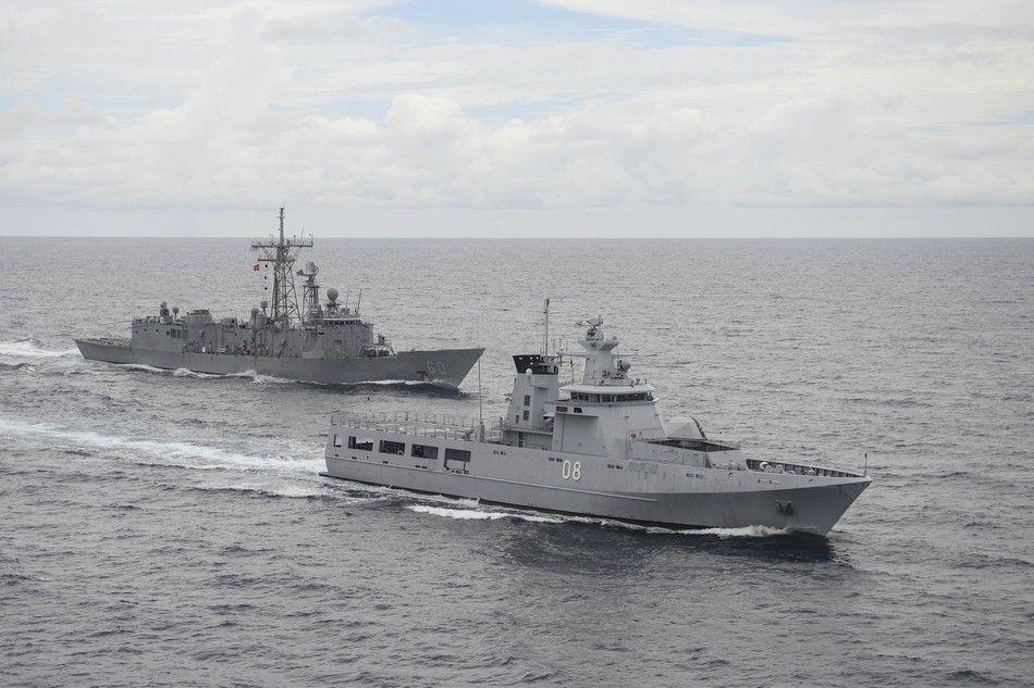"""美军佩里级""""老爷舰""""不远万里赴南海 与文莱军演 - 人在上海    - 中国新闻画报"""