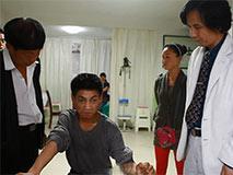 《针灸》:针灸武大夫与他病人的冷暖人生