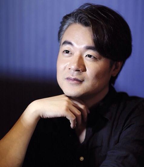 ...中国作家榜文化盛典在成都举办刚刚成为2014中国作家富豪榜...