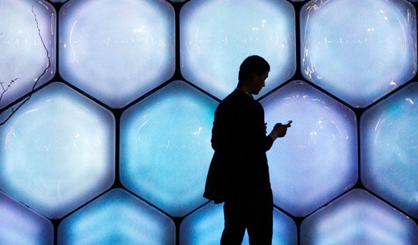 手机市场已成血海 周鸿祎、罗永浩还有机会吗?
