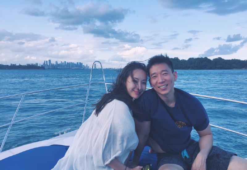[明星爆料]隋棠和老公坐游艇出海 当了妈照样苗条美艳