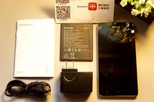 除了今天的主角乐檬k3手机外,还有标配的电池,充电数据线,电源适配器