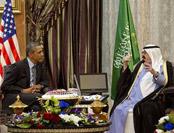奥巴马曾向外国元首单腿下跪 有一特殊身份原因