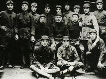徐海东带领红25军:万里长征越打越强 人数不减反增