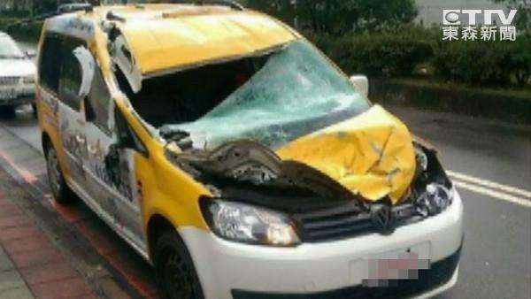 司机醒来报平安:我出车祸被飞机撞到