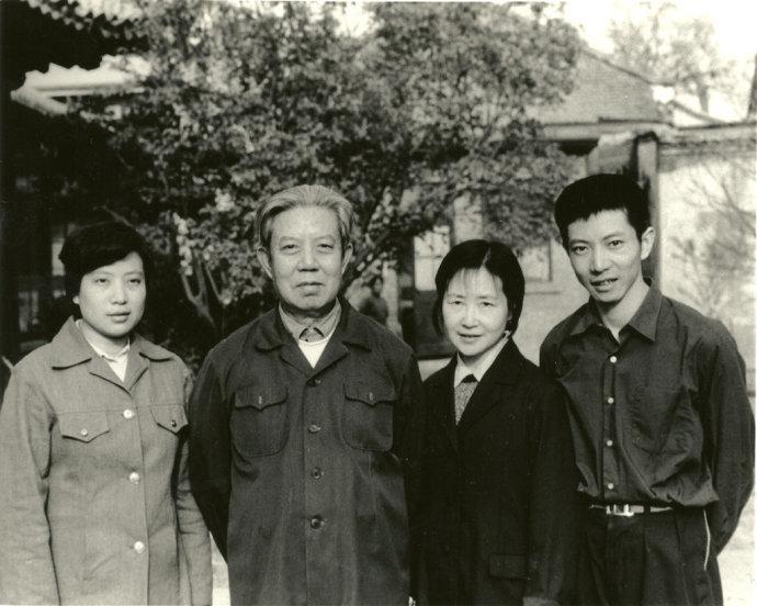 邓力群生平照片 - 人在上海    - 中国新闻画报