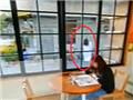 谷歌街景早餐店外拍到白衣女