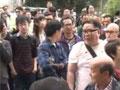 香港团伙示威反水货客 阻扰游客遭民众怒骂