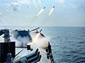 中国舰队罕见从日本两岛间穿行 猛烈开火