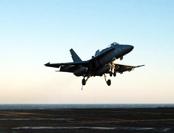 美军F-18突降台南基地 疑掩护神秘战机